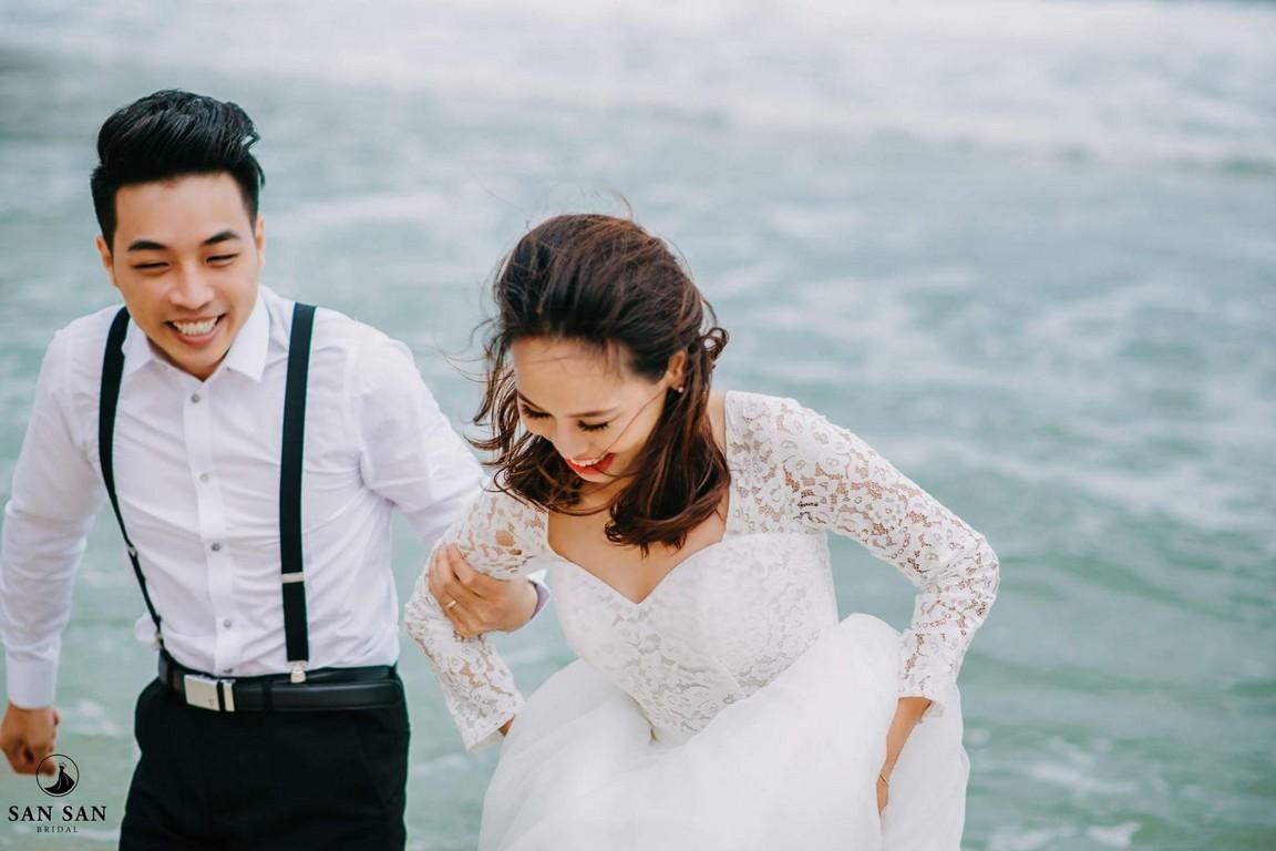 Chụp ảnh cưới ở biển cực yêu
