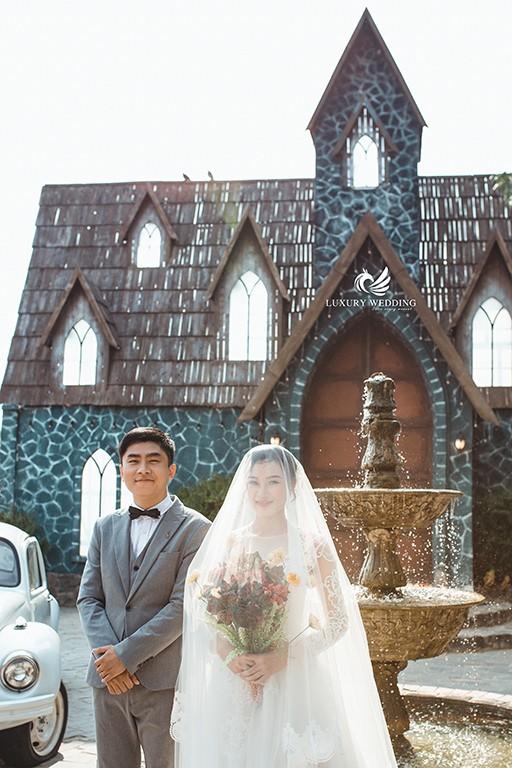 Chụp ảnh cưới lâu đài quận 2