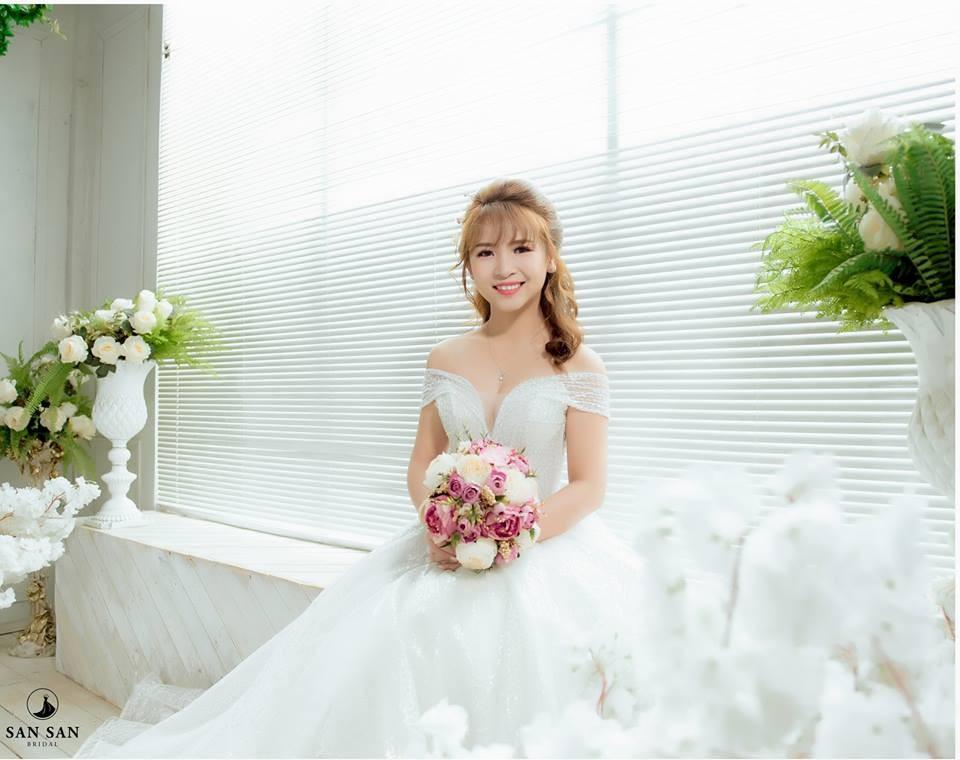 Album ảnh nghệ thuật cô dâu đơn đẹp