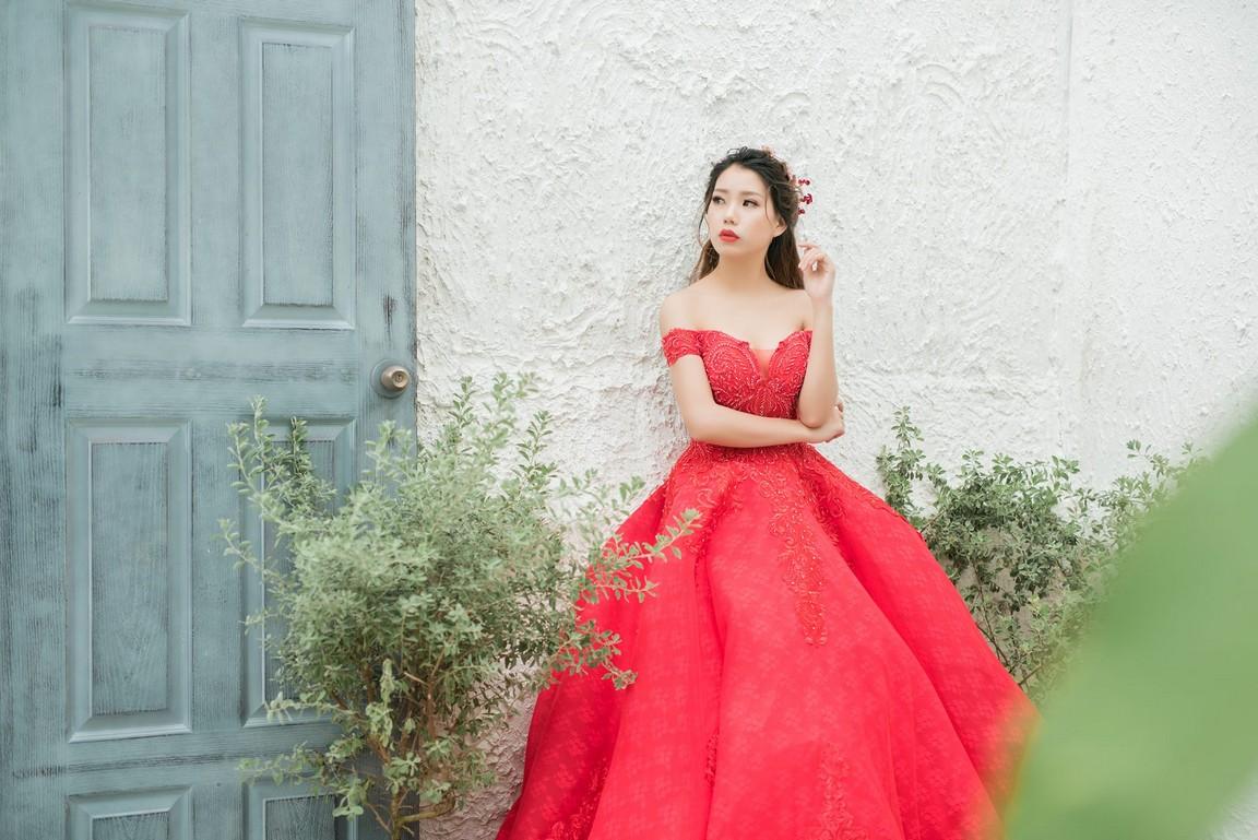 Váy cưới công chúa giá rẻ