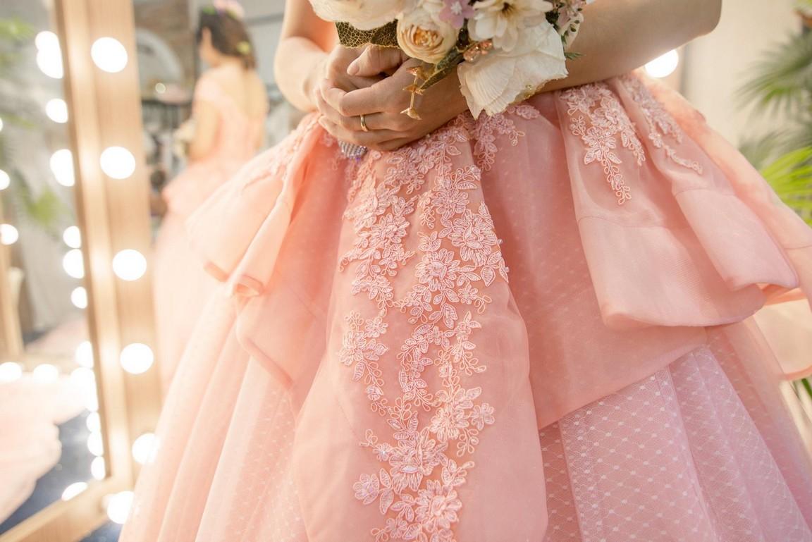 Váy cưới công chúa xòe
