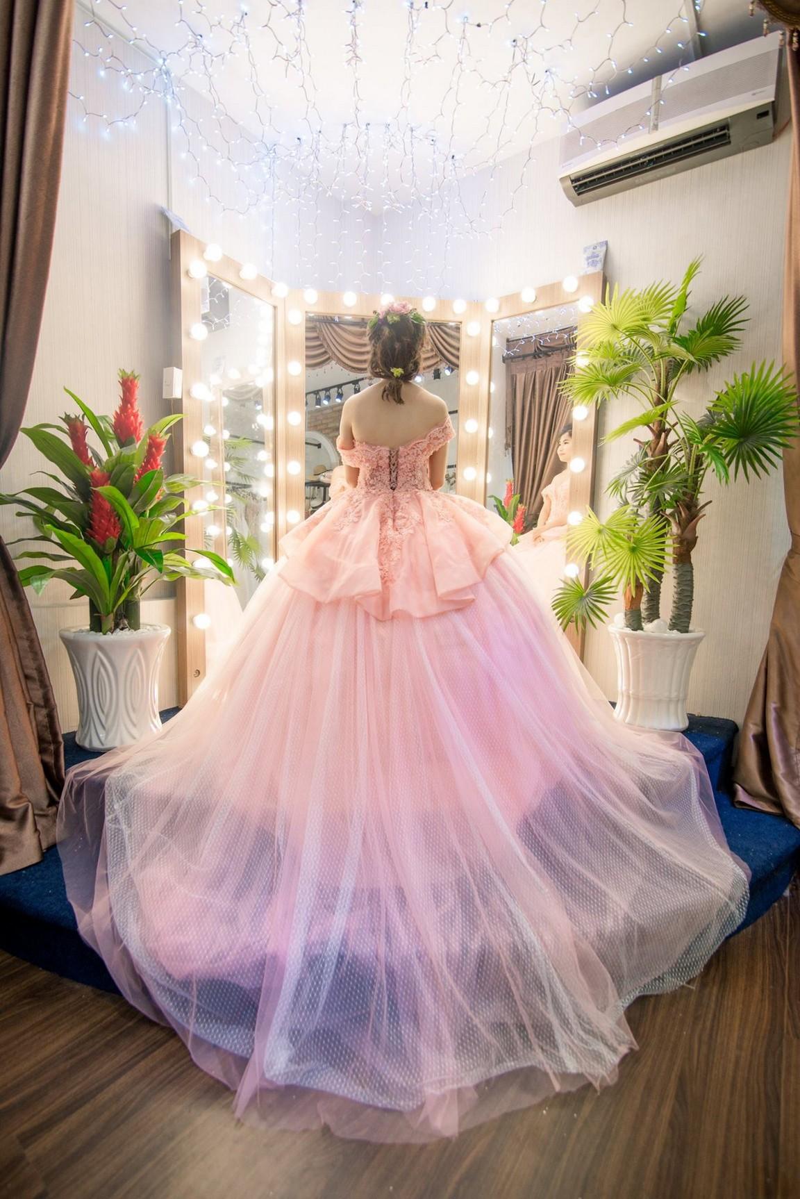 váy cưới kiểu xòe 1
