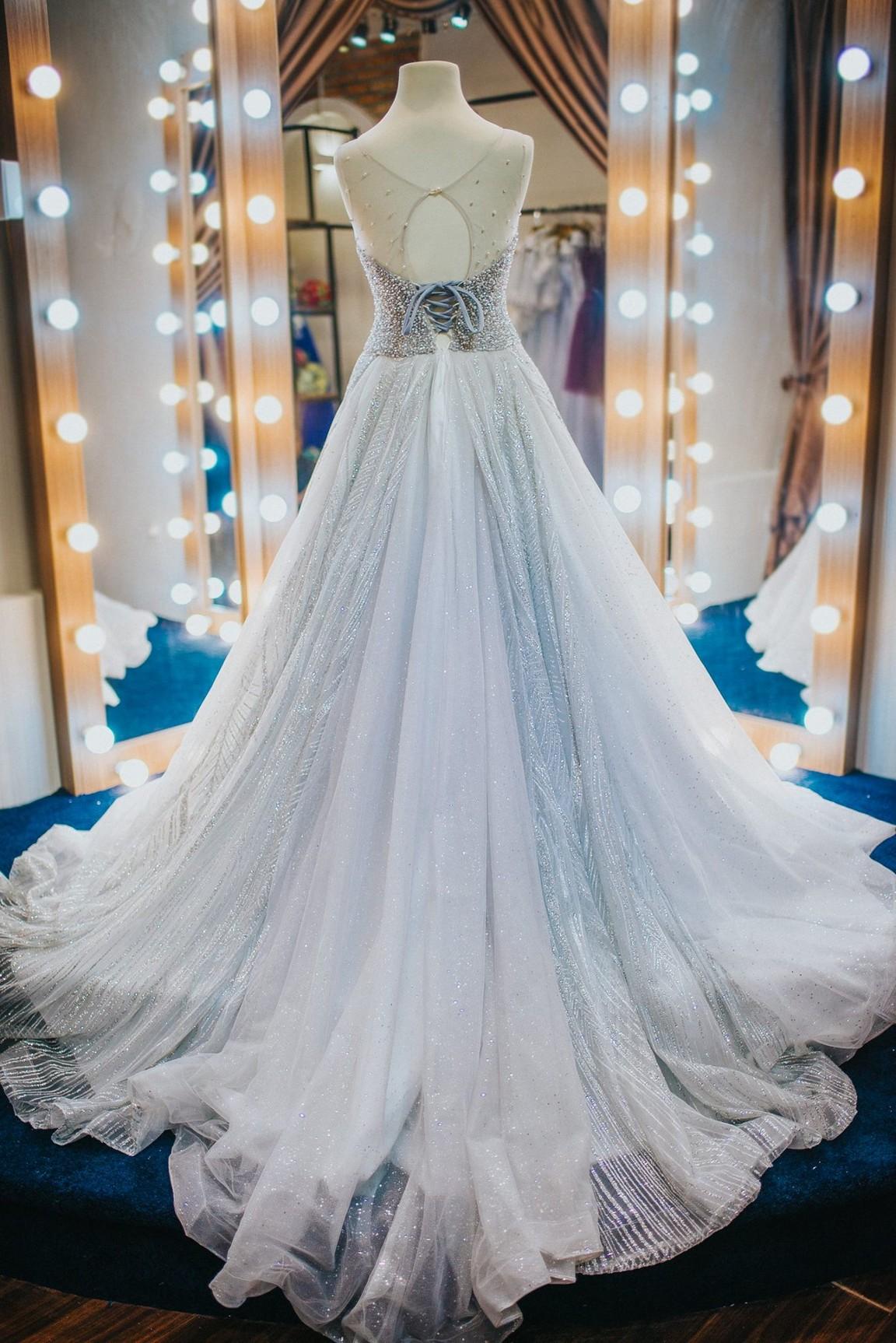 váy cưới kiểu xòe 4