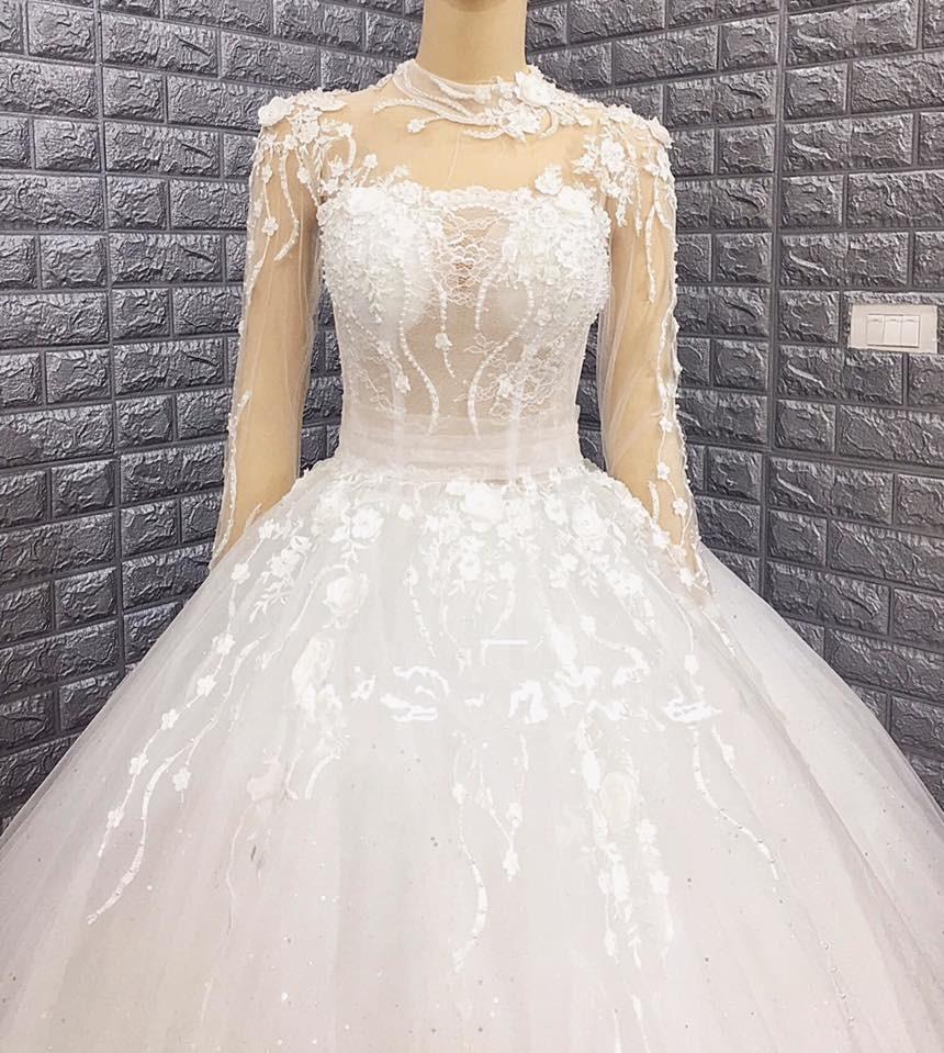 Váy cưới xòe màu trắng 2