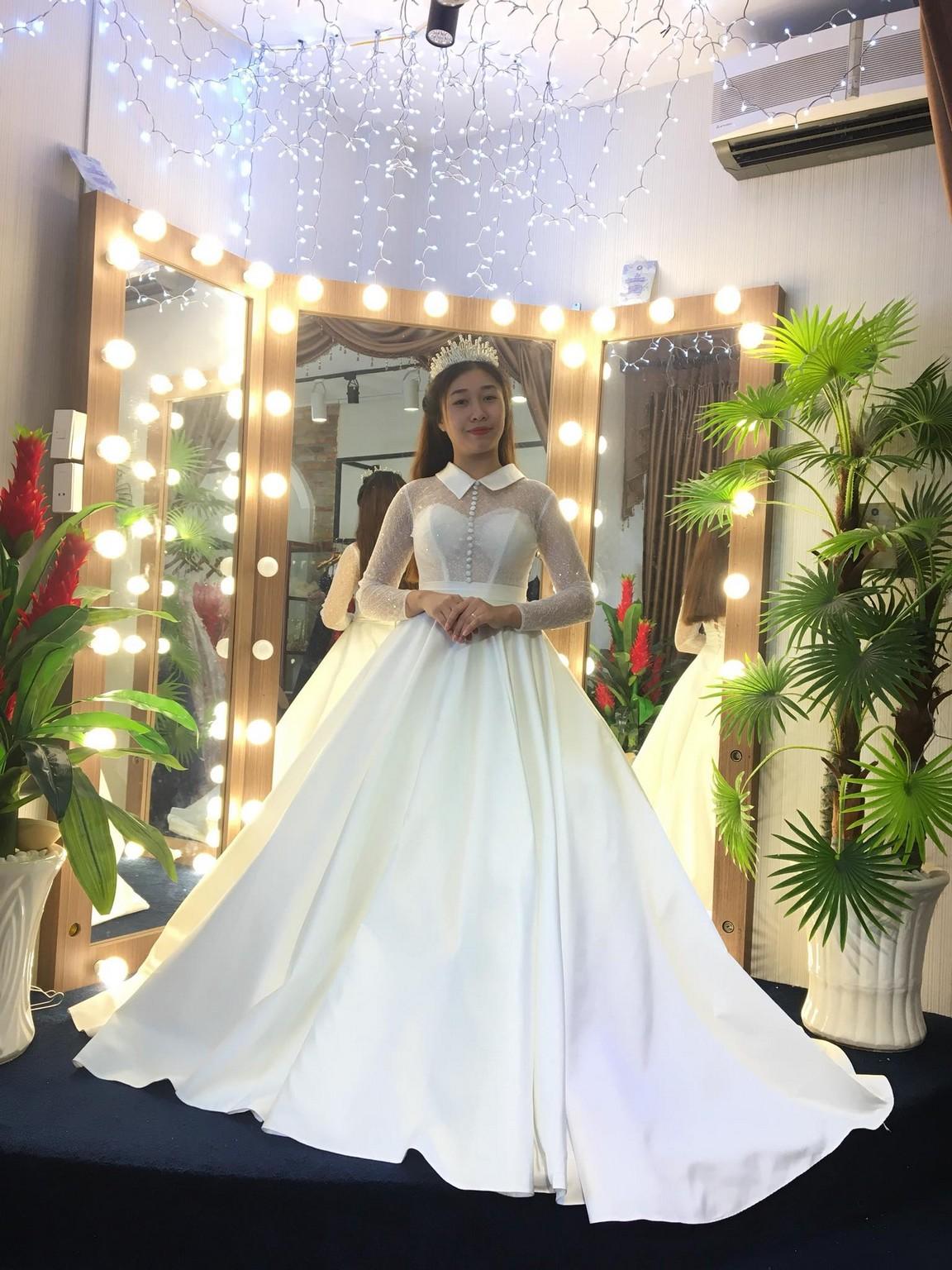 Váy cưới xòe bông 11