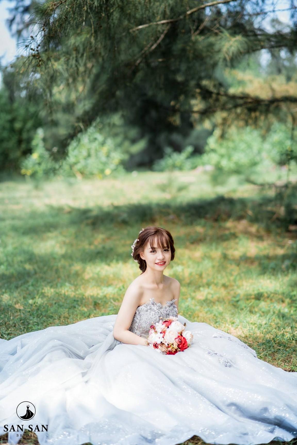 Váy cưới xòe bông 7