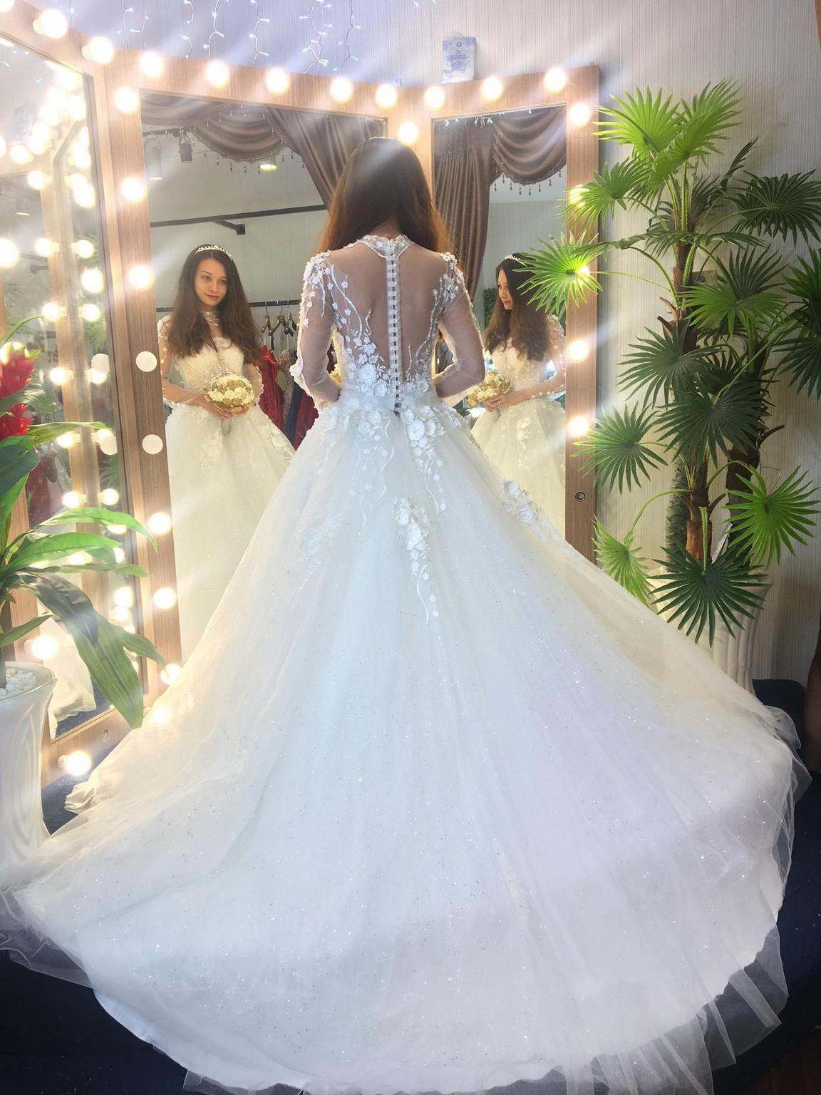 Váy cưới xòe bông 9