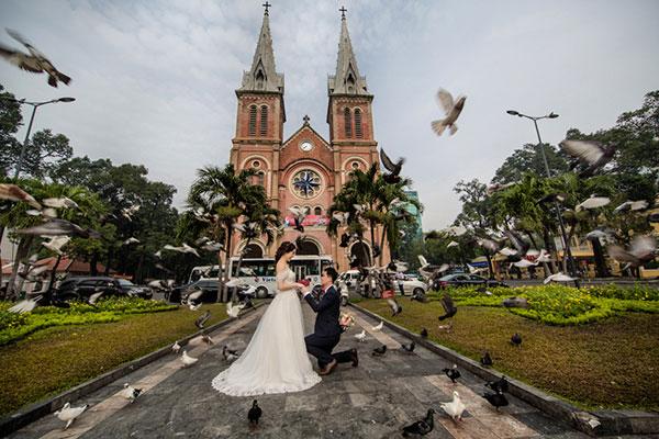 ảnh cưới ngoại cảnh nhà thờ đức bà