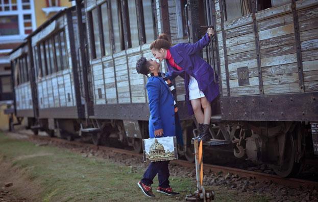 chụp ảnh cưới nhà ga