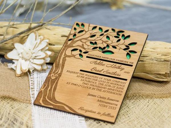 thiệp cưới bằng gỗ