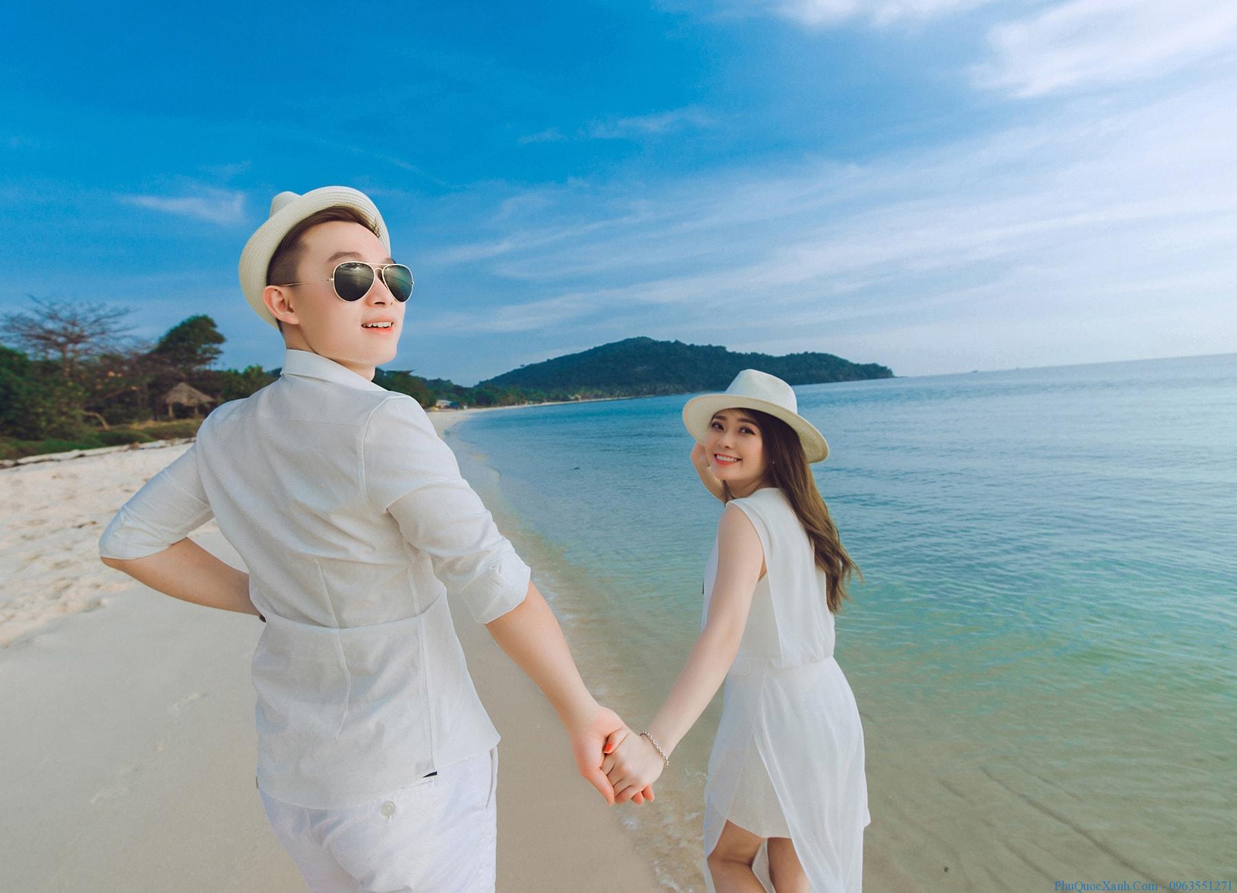 áo đôi chụp ảnh cưới ngoại cảnh biển