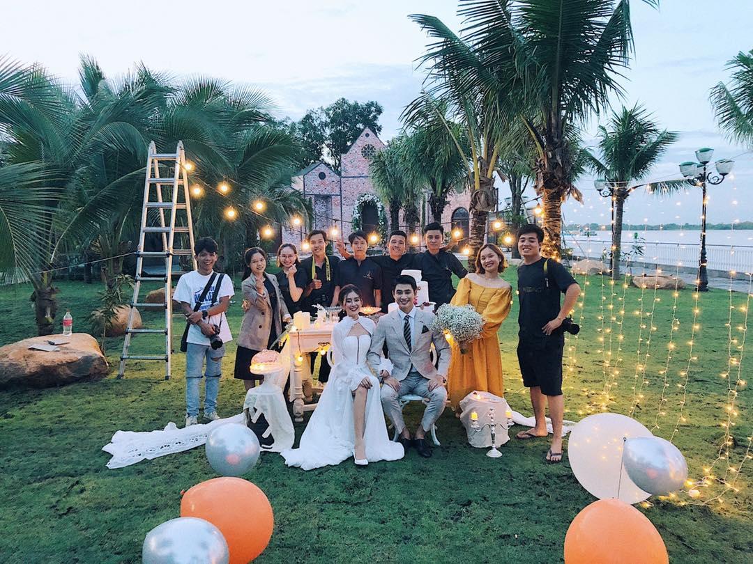 Chụp ảnh cưới phim trường chill garden