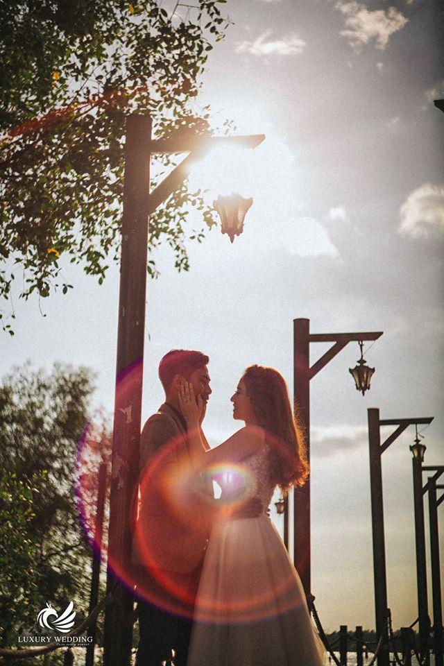 ảnh cưới có ánh sáng đẹp