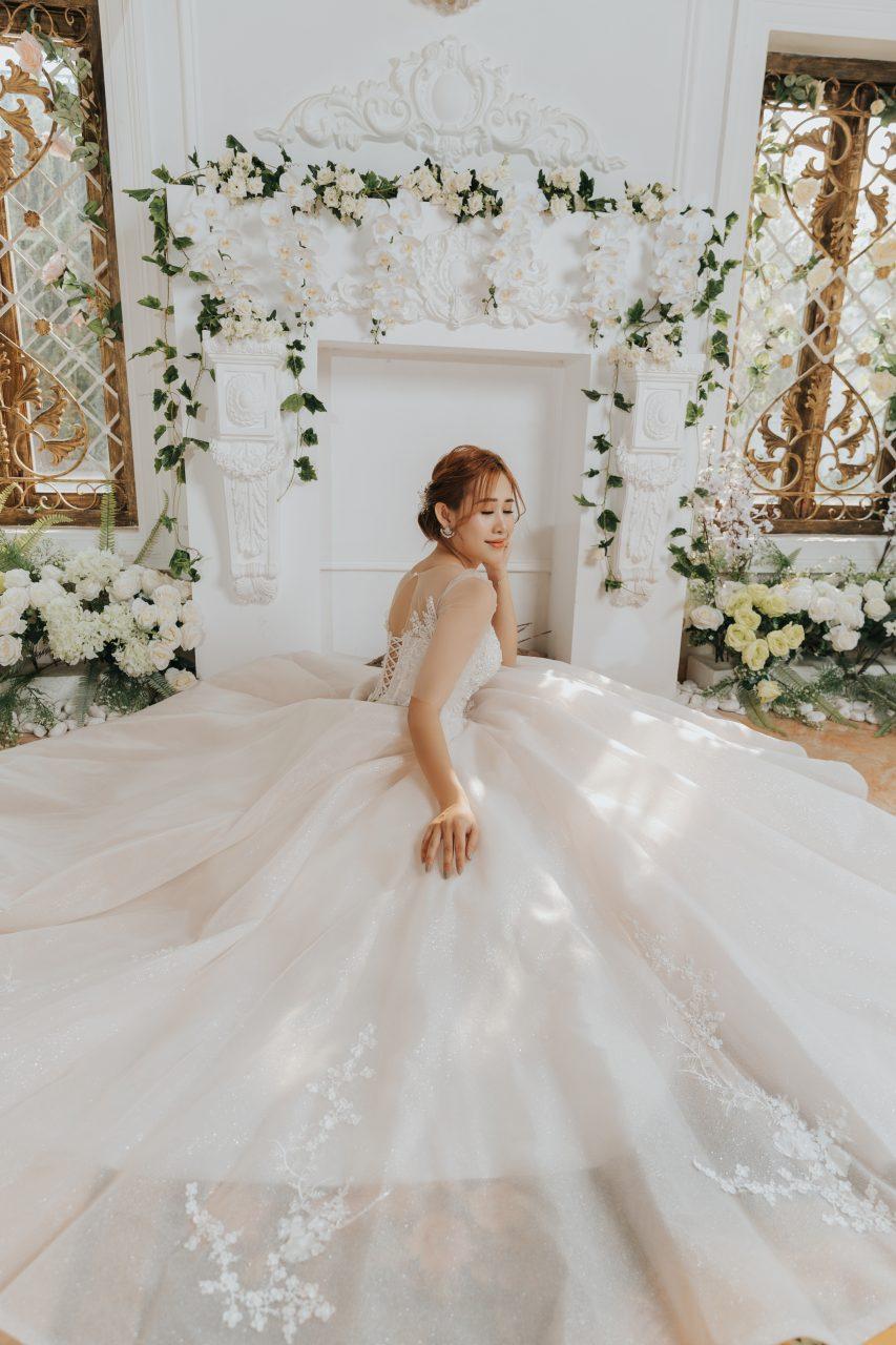 cô dâu đơn xinh đẹp