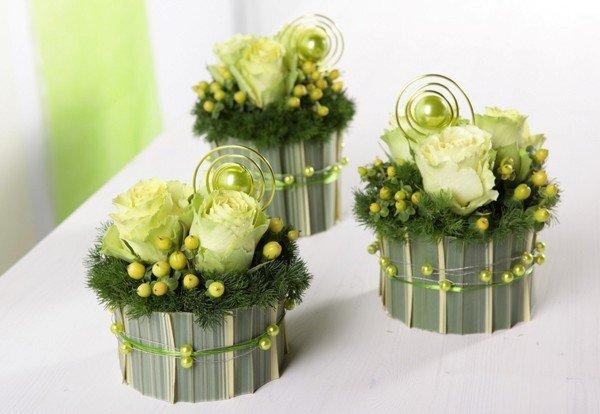 Hoa xinh để bàn cưới