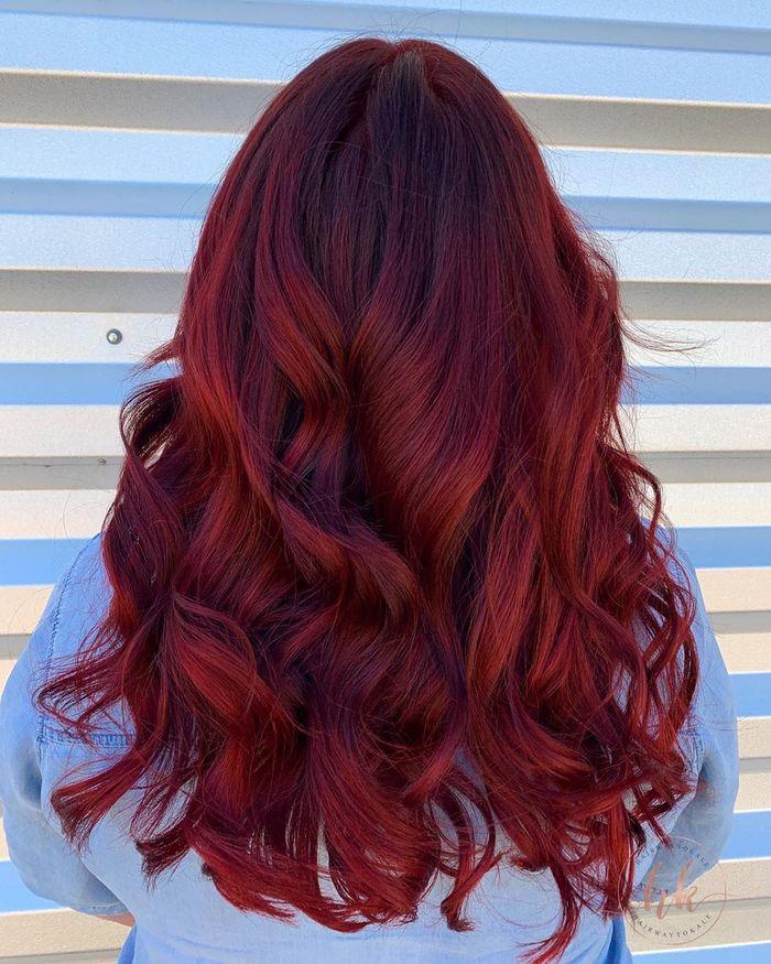 tóc nâu ánh đỏ