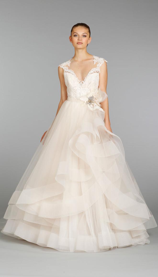 váy cưới nhấn eo