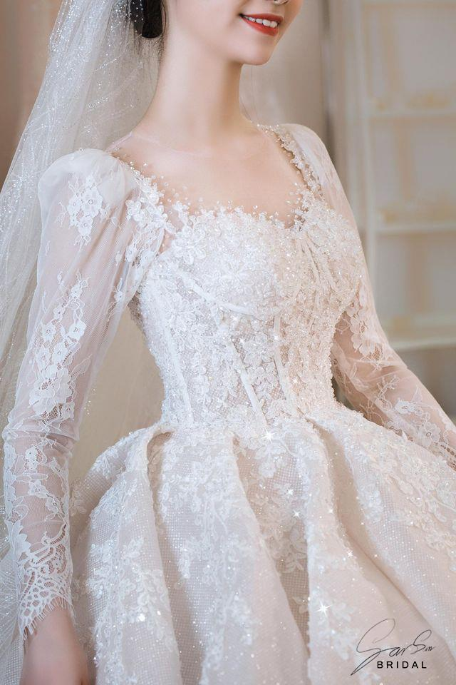 váy cưới tay dài