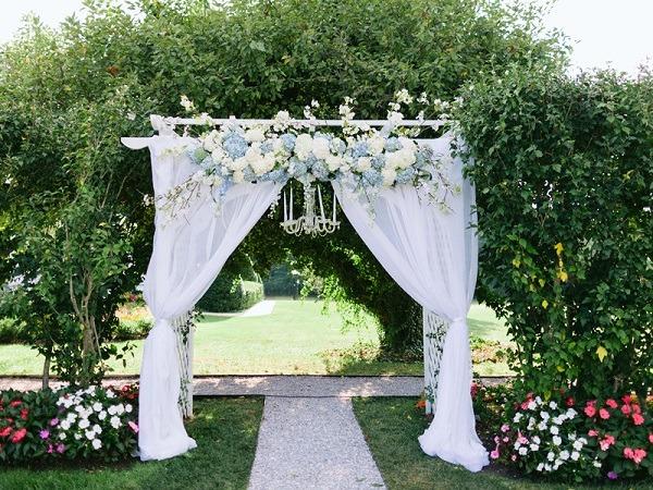 cổng cưới nhẹ nhàng