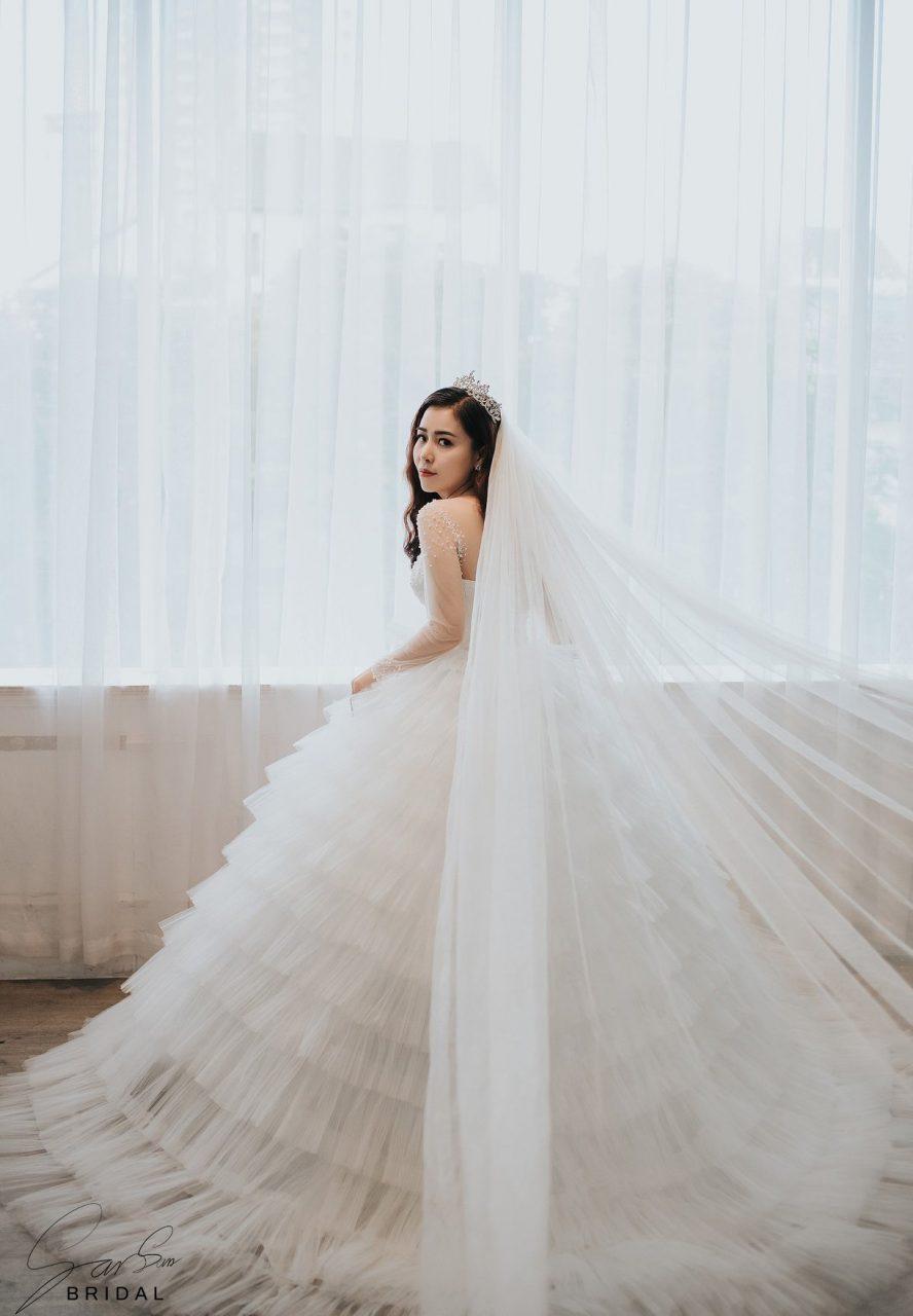 váy cưới sếp tầng