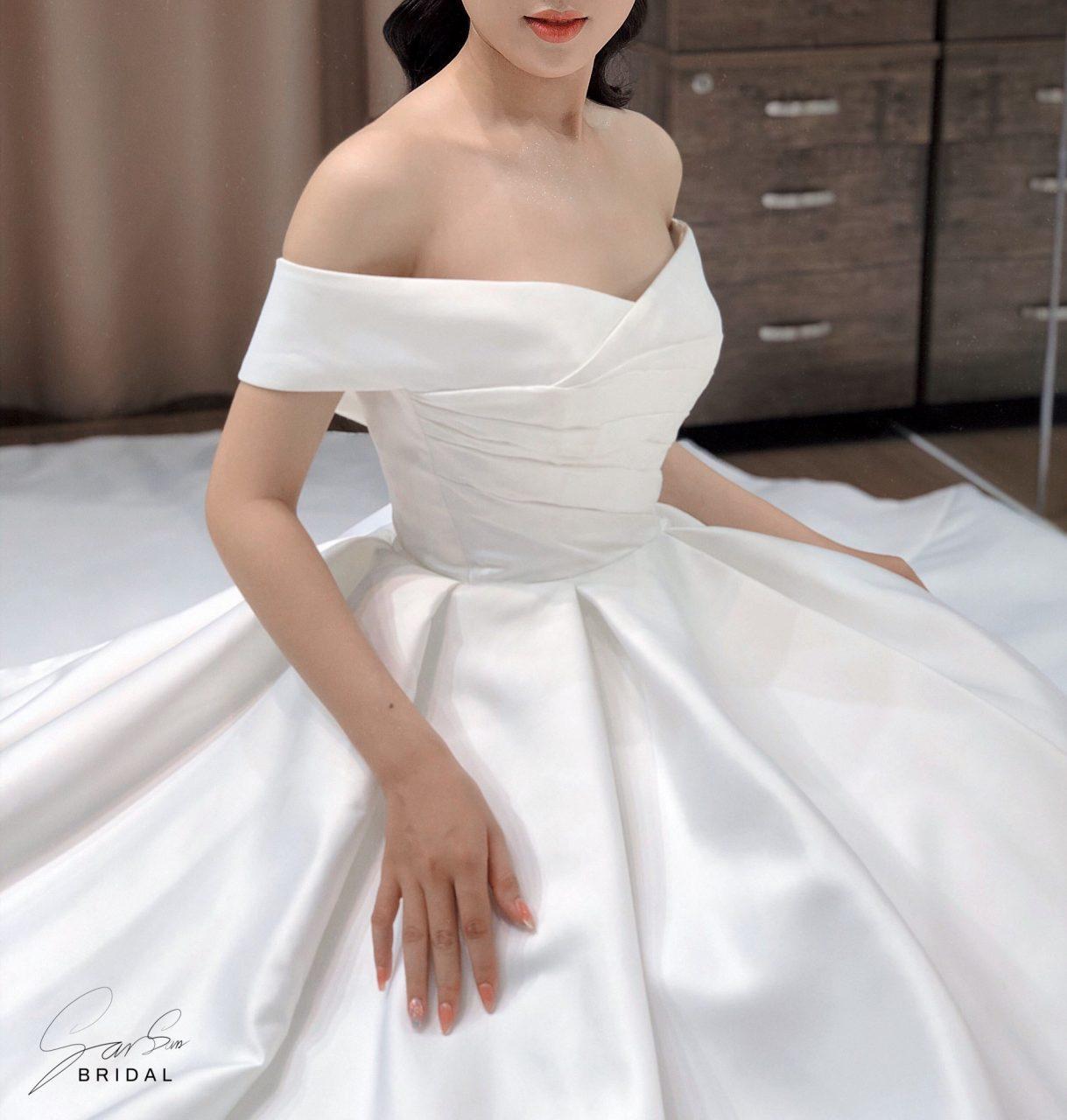 Váy cưới trễ vai đẹp