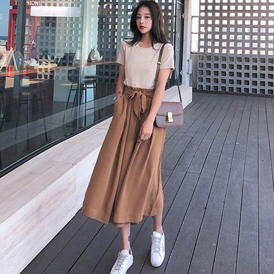 áo thun quần ống rộng