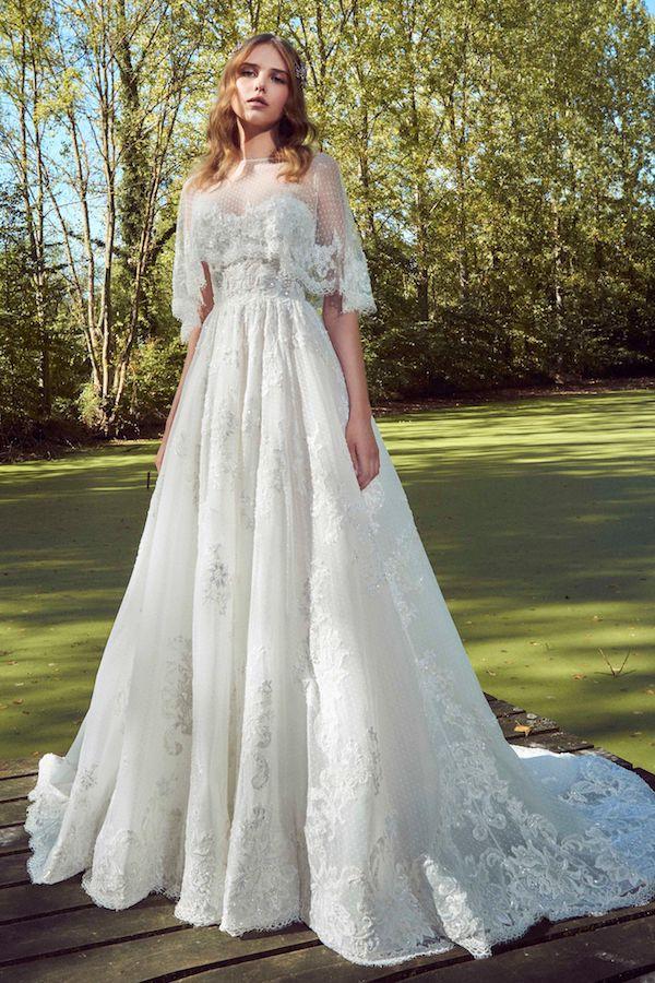 chọn váy cưới nhấn ở ngực