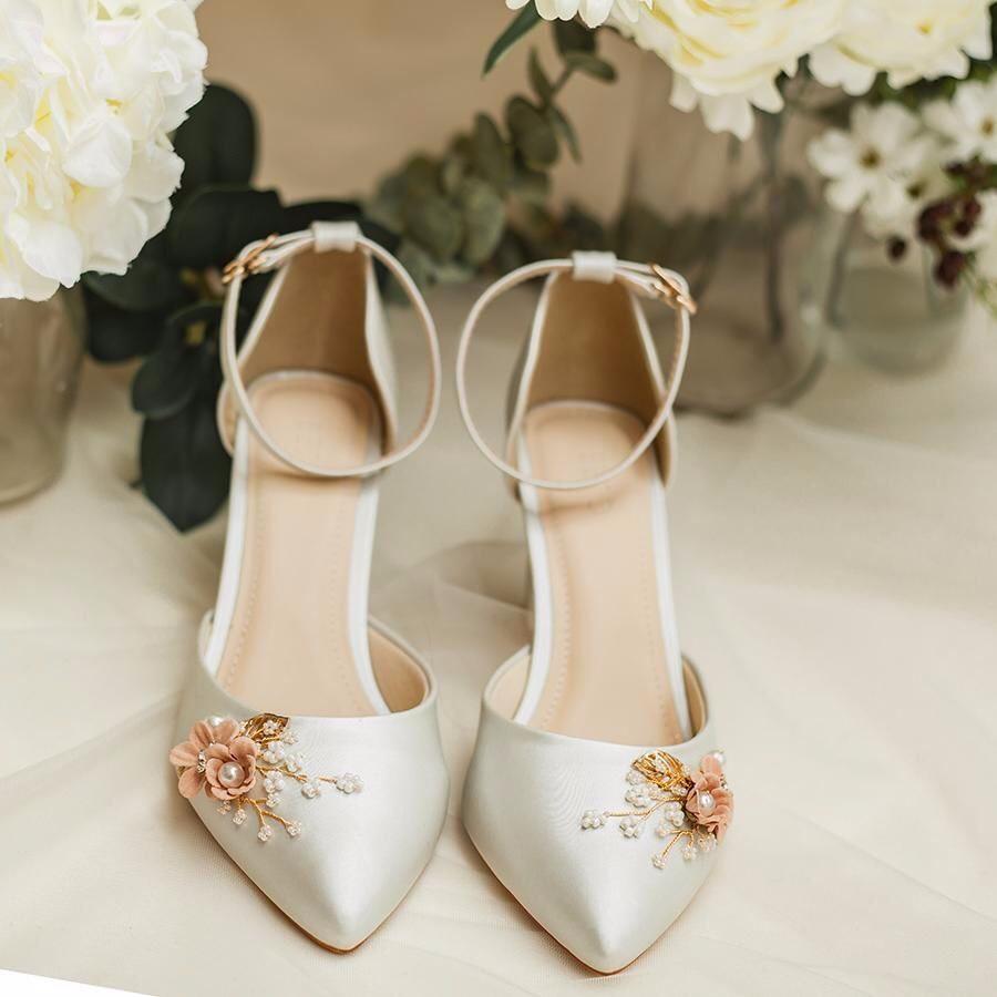 giày đính đá