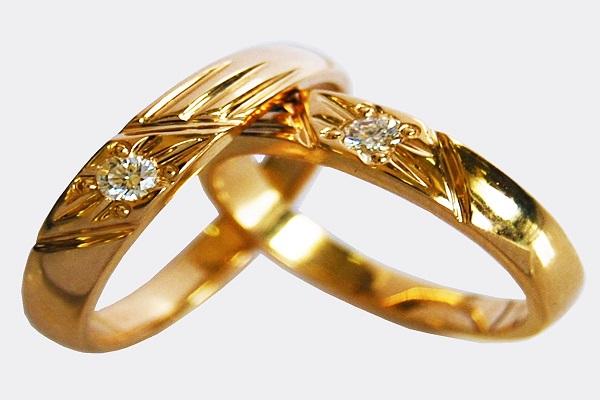 nhẫn cưới lấp lánh