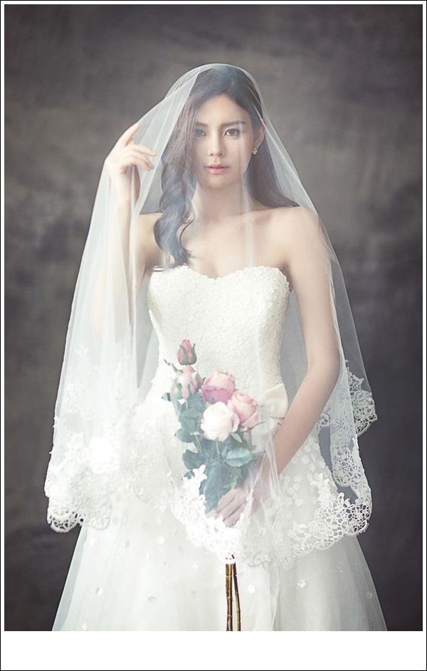 váy cưới cô dâu béo có khăn trùm đầu