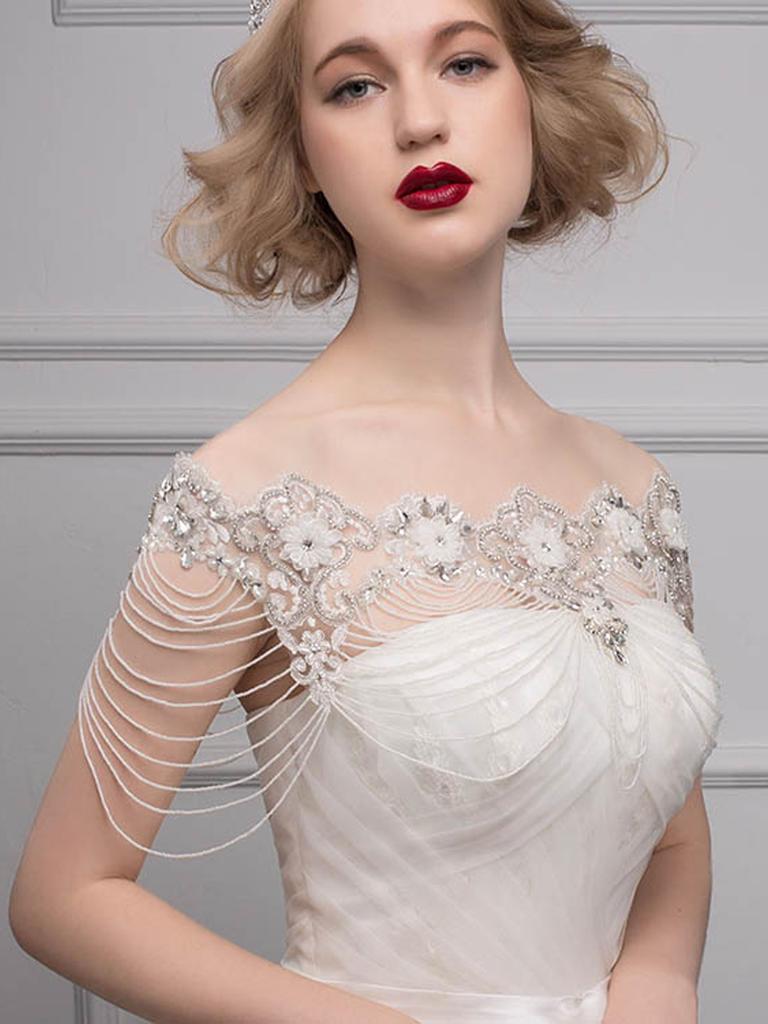 váy cưới cổ quây