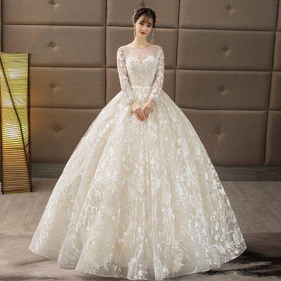 váy cưới cổ tròn