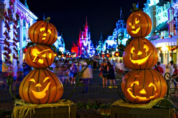 địa điểm đi chơi halloween phố Nguyễn Huệ